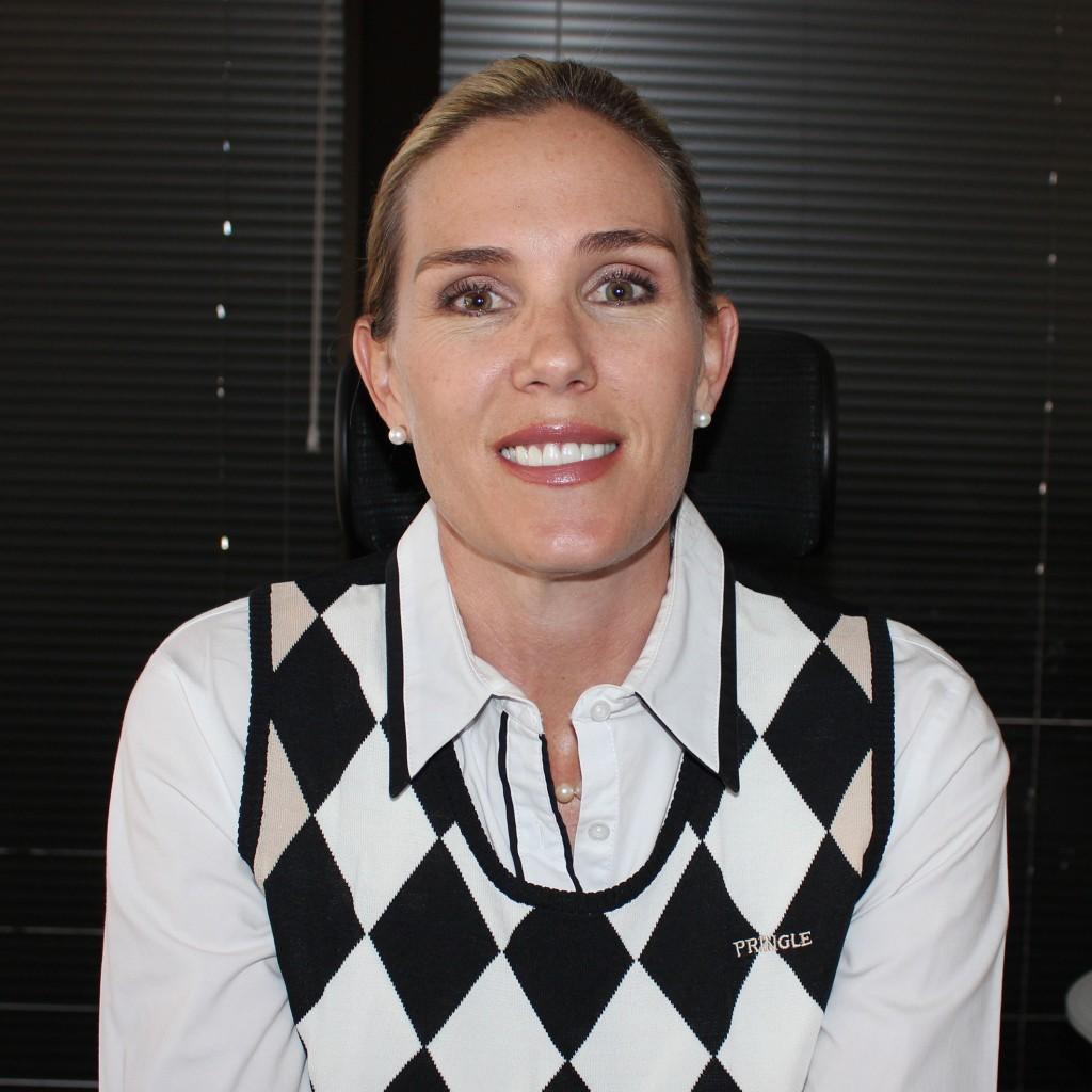 Camilla Botes (Adv